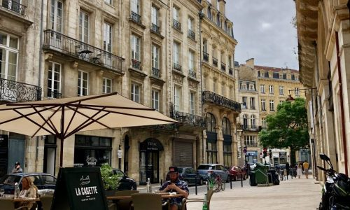 Visit our city and learn french in our school in Bordeaux